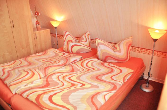 Elternzimmer Doppelbett Ferienhaus Cuxhaven Exner