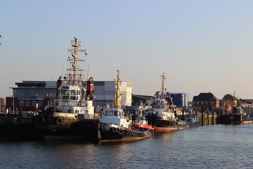 Schlepper Cuxhaven Hafen